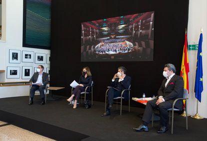 De izquierda a derecha, Félix Palomero, Amaya de Miguel, David Afkham y Miguel Ángel García Cañamero, durante la presentación de la nueva temporada de la OCNE.