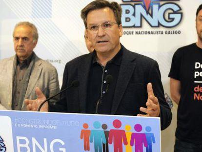 Xavier Vence, con otros de los candidatos en Avión