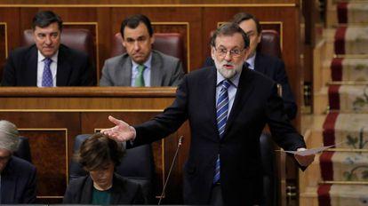 El jefe del Ejecutivo, Mariano Rajoy, durante su intervención en la sesión de control al Gobierno, en el Congreso de los Diputados.