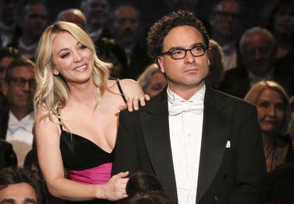 Los actores de 'The Big Bang Theory', Kaley Cuoco y Johnny Galecki.