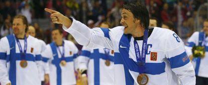 Finlandia celebra la medalla de bronce conseguida ante EEUU.