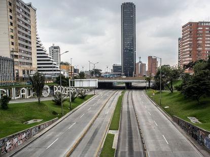 Las avenidas principales de Bogotá el 20 de marzo, durante la primera jornada del simulacro de aislamiento.