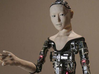 Foto de archivo del 1 de agosto de 2016, cuando se mostró el robot humanoide 'Alter' en el Museo Nacional de Ciencia Emergente e Innovación en Tokio.