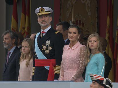 La familia real, en el desfile del 12 de octubre del 2019.