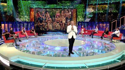 Jorge Javier Vázquez, en el plató de 'Supervivientes', el programa más visto de abril.
