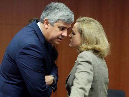 El presidente del Eurogrupo, Mário Centeno, y la ministra de Economía española, Nadia Calviño, en el Eurogrupo celebrado el 21 de enero en Bruselas.