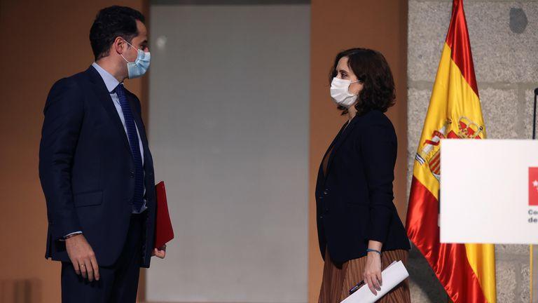 La presidenta de la Comunidad de Madrid, Isabel Díaz Ayuso, y el vicepresdiente, Ignacio Aguado, este viernes.