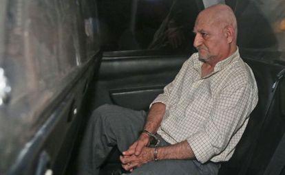 Daniel Galván, en el coche patrulla en el que ha sido conducido a la Audiencia Nacional.