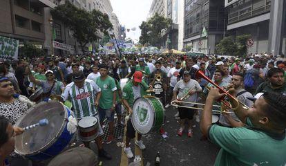 Multitudinaria manifestación de trabajadores en el centro de Buenos Aires.