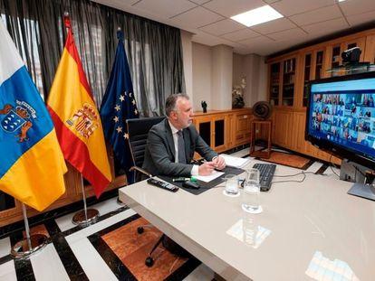 El presidente de Canarias, Ángel Víctor Torres, durante la reunión con Sánchez y el resto de presidentes autonómicos.