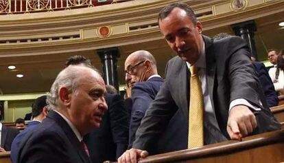 El exministro del Interior Jorge Fernández Díaz y el que fuera su secretario de Estado de Seguridad, Francisco Martínez EUROPA PRESS 07/09/2020
