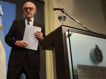 El excanciller argentino Héctor Timerman en 2013, cuando Argentina firmó un pacto de entendimiento con Irán sobre el atentado a la AMIA.