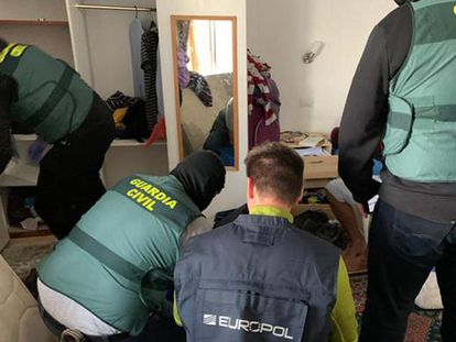 Imagen de una reciente operación antiyihadista de la Guardia Civil en España.