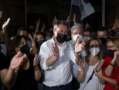 Juan Espadas en la sede del PSOE-Andalucía tras conocer los resultados de las primarias.