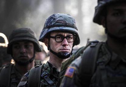 Joseph Gordon-Levitt, en un fotograma de 'Snowden'.