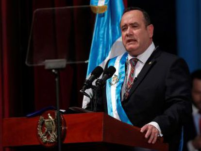 El mandatario guatemalteco fija como prioridad la lucha contra la desnutrición infantil y buscará declarar a las pandillas como  terroristas