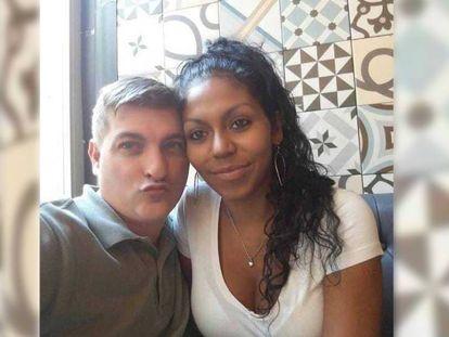 """Heidi Bulnes, junto a César Román, en una foto que el empresario tenía como perfil de WhatsApp. En vídeo, Detenido el """"rey del cachopo"""" en Zaragoza por su posible implicación en la muerte de su novia."""