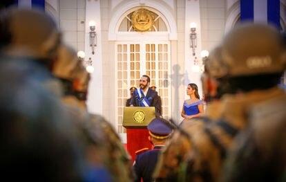 El presidente Bukele durante su mensaje en la ceremonia del bicentenario de la independencia, la noche del 15 de septiembre.