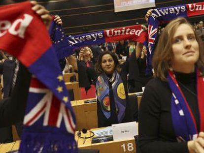 La Eurocámara aprueba con 621 votos a favor y 41 en contra el acuerdo de salida del Reino Unido de la UE