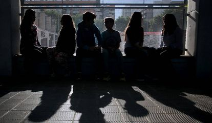 Alumnos del IES Front Maritim del Poble Nou de Barcelona, en un programa contra el 'bullying'.