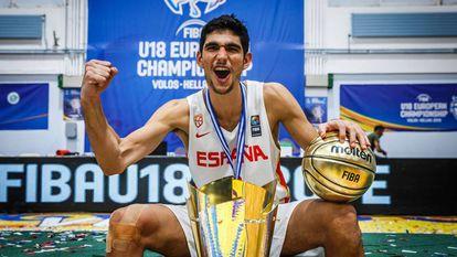Santi Aldama, tras ganar el oro del Eurobasket sub-18.