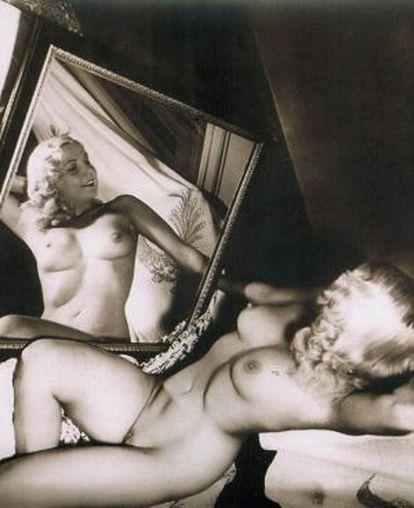 'Leda frente al espejo' (1951), una de las imágenes más conocidas del desnudo en la fotografía de Cuba. Su autor, Constantino Arias (1920-1991).