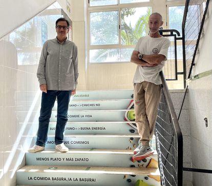 Eugenio García de Paredes, director del centro (izquierda) y Carlos Méndez, jefe de estudios del I.E.S Prado de Santo Domingo (Alcorcón).