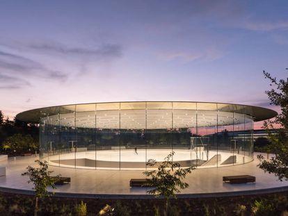 Teatro Steve Jobs, en Cupertino (EE UU), diseñado por Norman Foster.