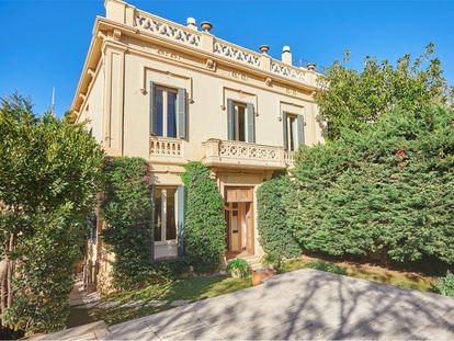 Vivienda de lujo en Barcelona, con siete habitaciones y una gran parcela.