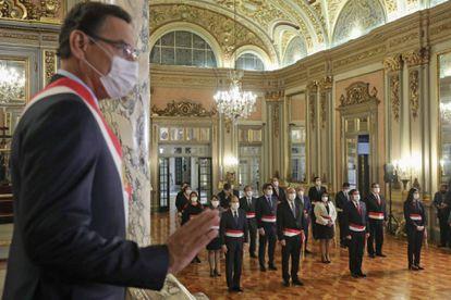 El presidente de Perú, Martin Vizcarra, durante la ceremonia de juramentación de Walter Martos como presidente del Consejo de Ministros, el pasado jueves en Lima.