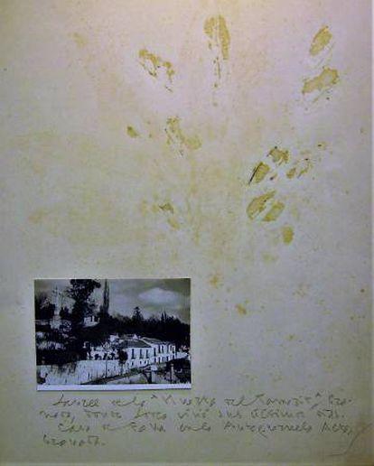 """Este collage, inédito hasta ahora, está en la Universidad de Puerto Rico. """"Laurel de la Huerta del Tamarit, Granada, donde Lorca vivió sus últimos días [perdido, solo quedan unas marcas. Casa de Falla en la Antequeruela [la foto]"""