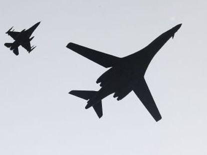 Las aeronaves volaron a baja altura cerca de la base de Osan, a 50 kilómetros de Seúl