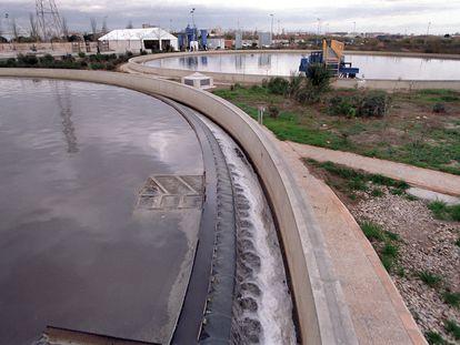 Panorámica de la depuradora de PInedo, en Valencia.