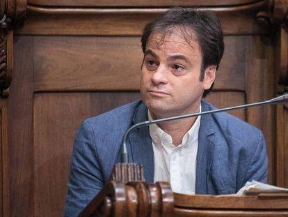 El concejal Jaume Asens en un pleno del Ayuntamiento de Barcelona.