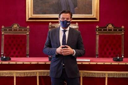 Luis Salvador, alcalde de Granada, durante una rueda de prensa en el Ayuntamiento de Granada, el pasado martes.