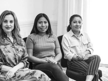Desde la izquierda, Marina de Tavira, Yalitza Aparicio y Nancy García.