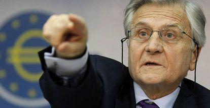 Jean-Claude Trichet durante la rueda de prensa posterior a la reunión del Consejo de Gobierno del BCE, ayer en Fráncfort.