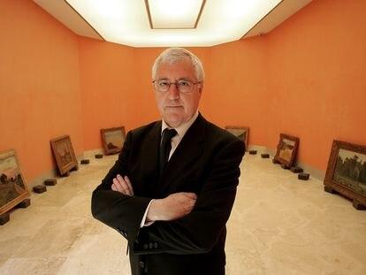 Tomás Llorens, cuando era conservador jefe del Museo Thyssen-Bornemisza, en 2004, en una de las salas del centro.