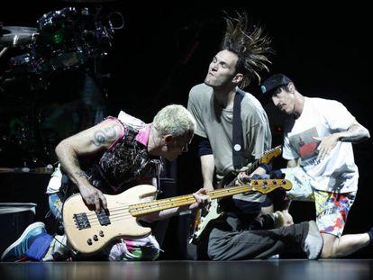 Red Hot Chili Peppers en Madrid en 2016.