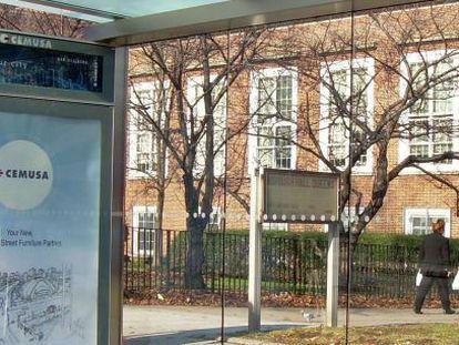 Marquesina de autobuses de CEMUSA instalada en la ciudad de Nueva York