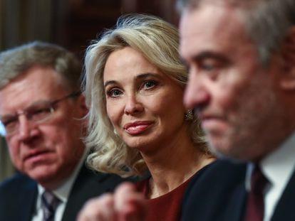 En el centro, la empresaria Corinna Larsen, en una imagen de archivo.