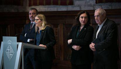 Jaume Collboni, Elsa Artadi, Ada Colau y Ernest Maragall presentan el acuerdo para los presupuestos de Barcelona.