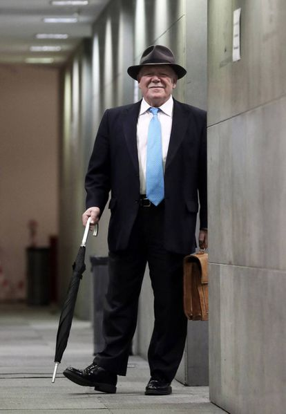 El veterano periodista Juan Antonio Blay, en el Congreso.