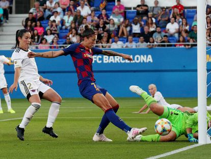 Jenni Hermoso, justo antes de marcar un gol ante el Tacón la temporada pasada en el Estadio Johan Cruyff.