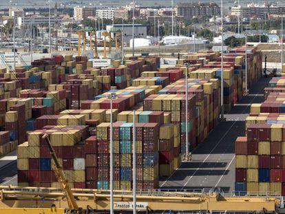 Contenedores en el puerto de Valencia, el pasado mes de noviembre.
