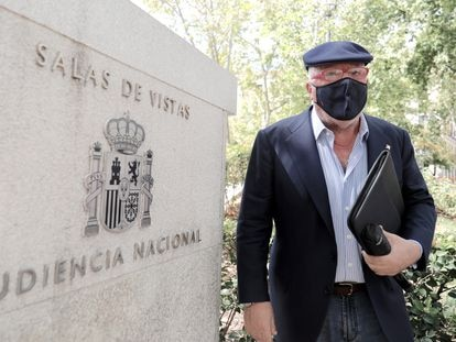El comisario jubilado José Manuel Villarejo a su salida de la Audiencia Nacional el pasado 15 de septiembre en Madrid.