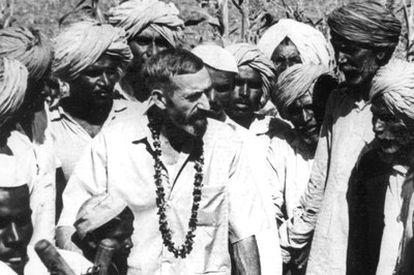 Vicente Ferrer, durante el inicio de sus trabajos en India.