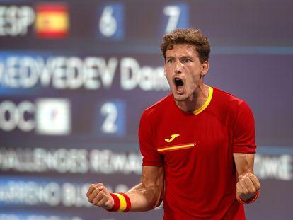 Carreño celebra el triunfo contra Medvedev, este jueves en el Ariake Tennis Park.