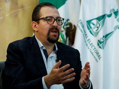 El presidente de la Sala Superior del Tribunal Electoral del Poder Judicial de la Federación (TEPJF) cesado, José Luis Vargas, durante una entrevista el pasado junio.