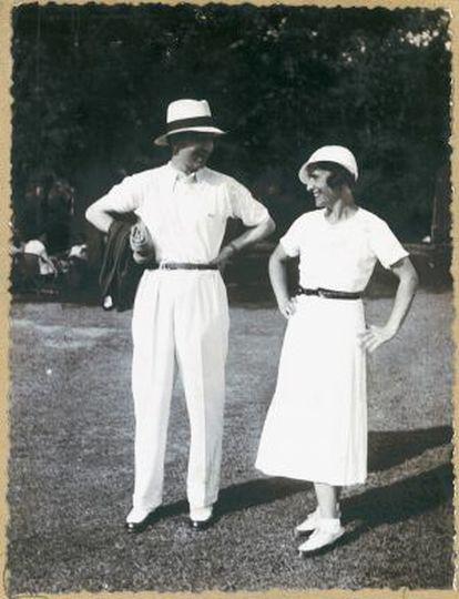 Lacoste y la golfista Simone Thion de la Chaume en Chantaco, uno de los clubs de golf más emblemáticos de Francia, perteneciente a la marca
